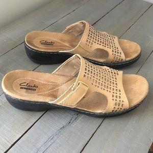 Clark's sandals size 8.5